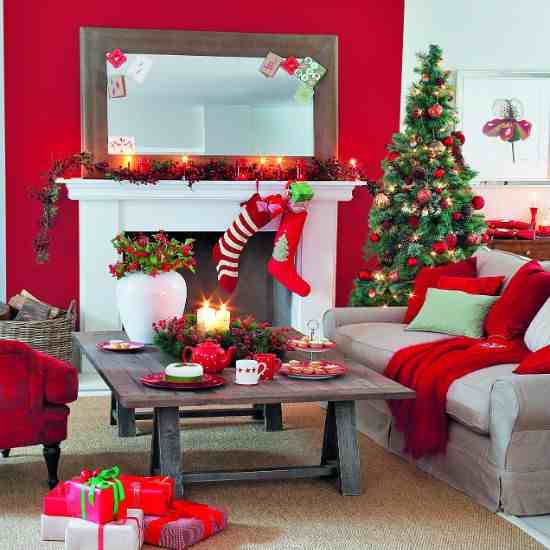 living-room--Christmas--traditional--Ideal-Home